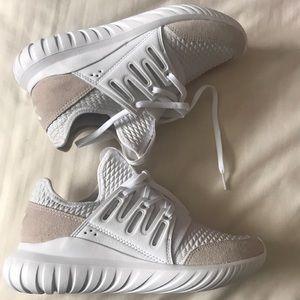 Adidas Tubular Radial Men 5/ Women 8.5